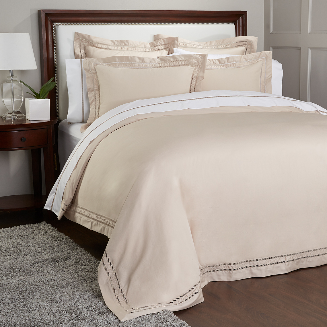 lux_beige_bed