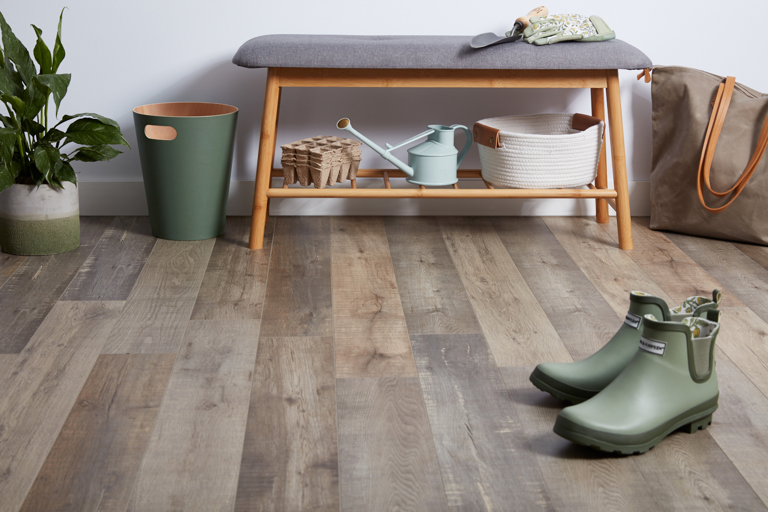 what-is-laminate-flooring-1821619_0312